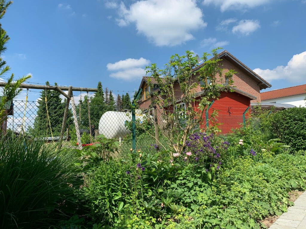 Oberirdischer Gastank zur Miete im Garten