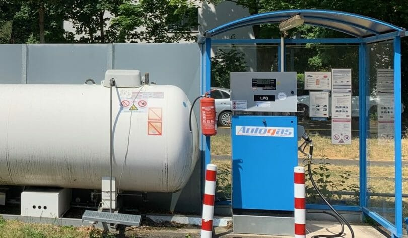 Staplergas Tankstelle