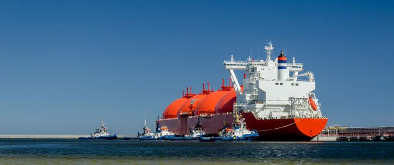 Rotes LNG Schiff